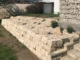 Mauer Gartengestaltung Jura Kalkstein